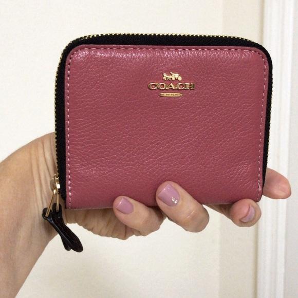 Coach Handbags - 💃COACH Small Double Zip Around Wallet